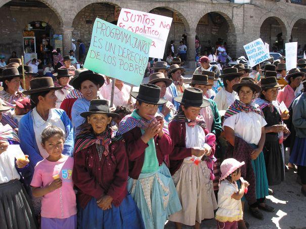manifestacion-juntos-en-ayacucho-27may2006